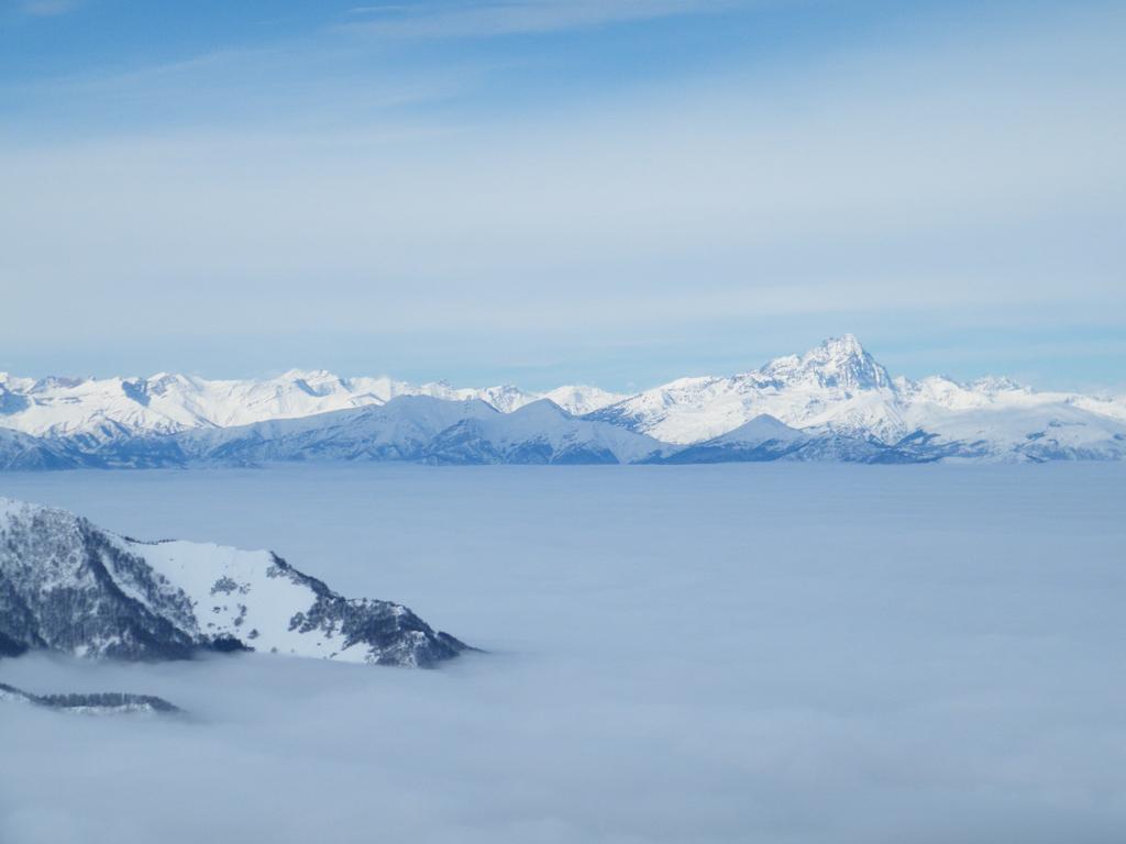 sopra la nebbia...il monviso