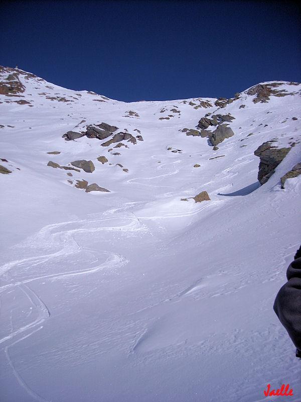 appena sotto al colletto....che brutta neve!:P