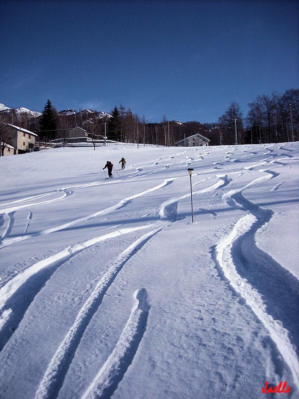 prati 100 mt sopra a trovinasse...proprio una gran brutta neve!:P