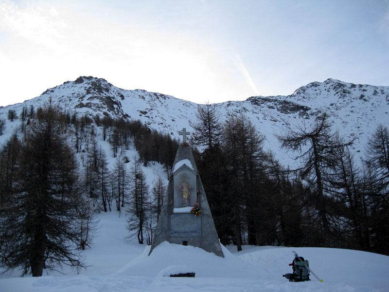 Vaccare (Trucco delle) e Pilone Madonna delle Nevi da Pian del Frais 2010-01-24