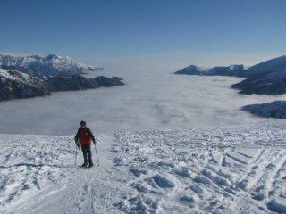 La nebbia che copre il fondovalle