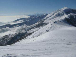 Panorama verso il Soglio, con sfondo il Monviso