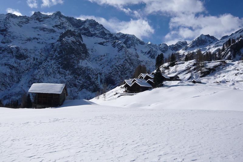 Pianmisura (Alpeggi) da Alagna Valsesia 2010-01-31