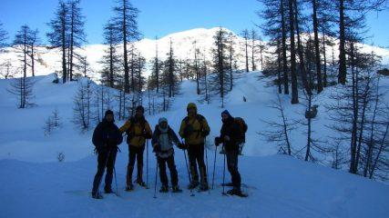foto di gruppo nella parte intermedia del Vallon de Fontanalbe (31-1-2010)