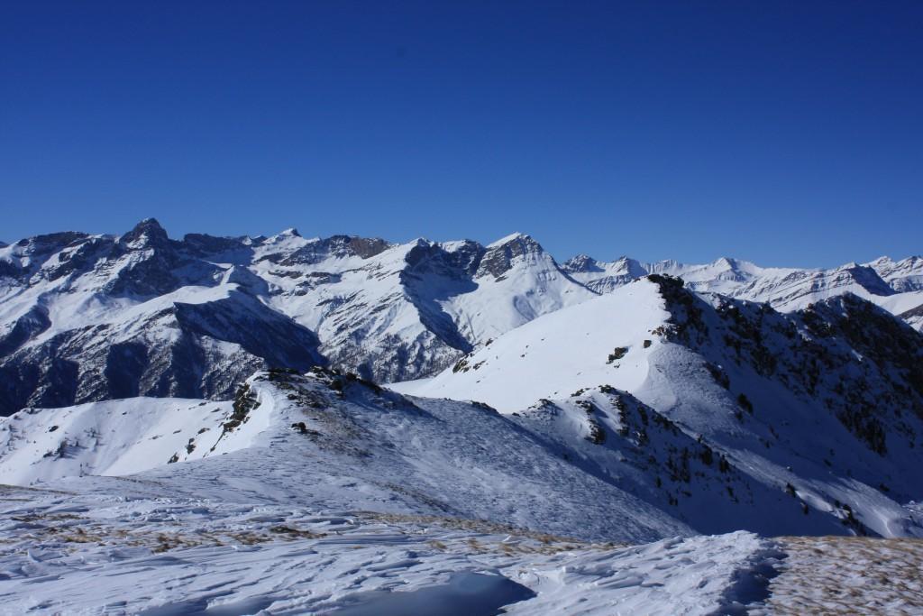 Vista sul vicino Nebin e l'alta Val Maira