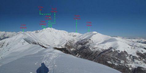 Panorama sulle montagne della Valsessera: C. Bonom, Punta del cravile, Pinta del Manzo, Punta dello Scaletto e la Cima dell'Asnas