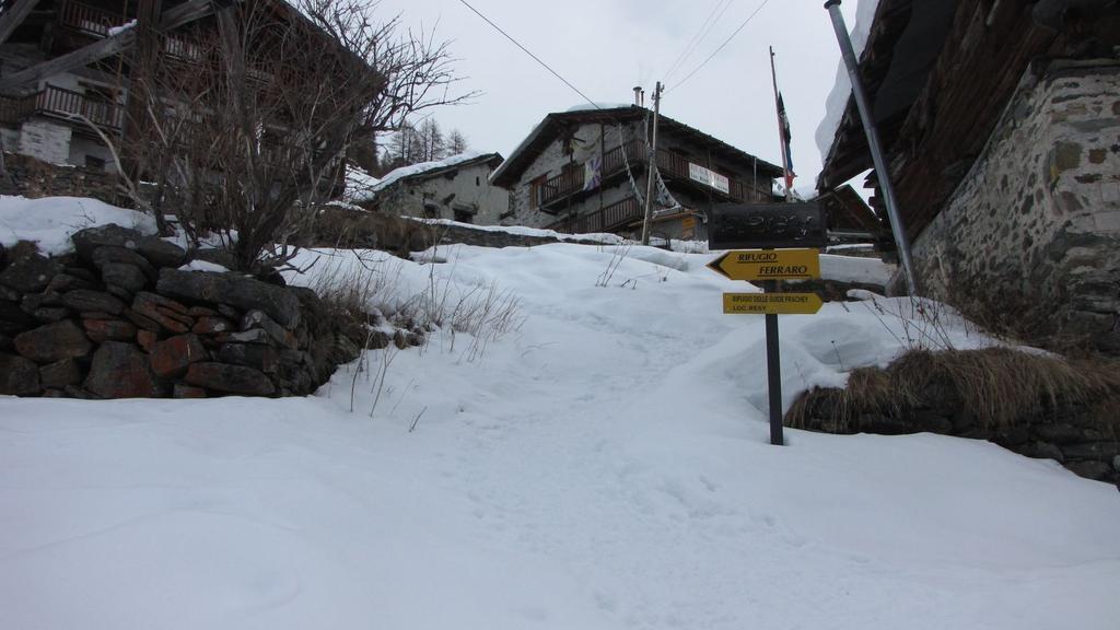 arrivando a Resy e al Rifugio Ferraro (14-2-2010)