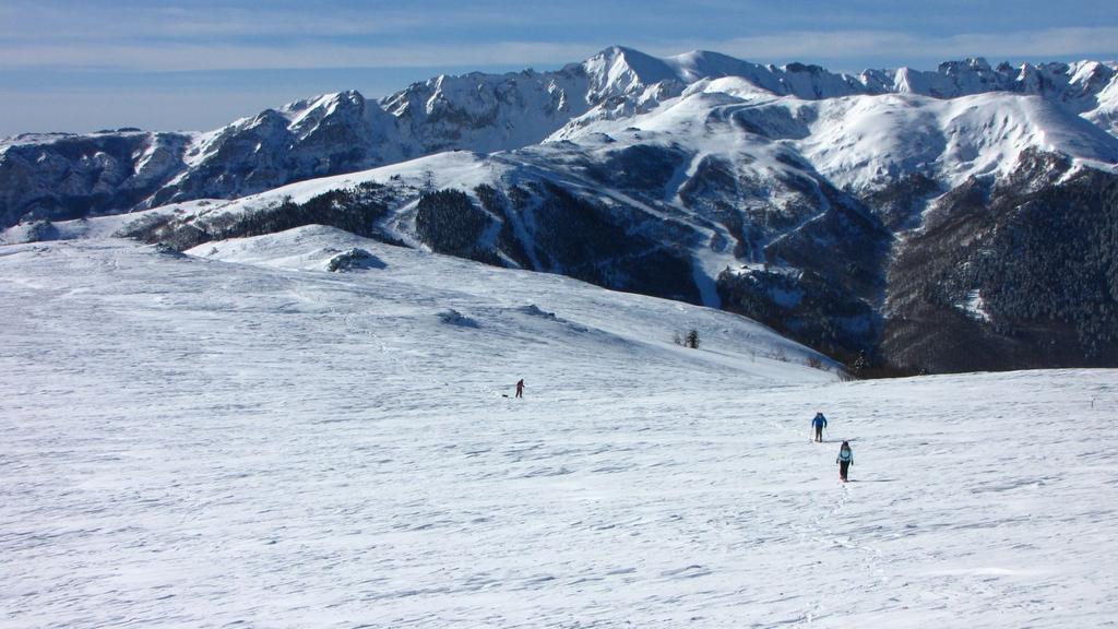 salendo lungo l'ultimo facile pendio prima della cima (21-2-2010)