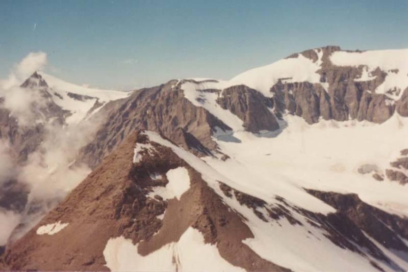 La Punta Costan in primo piano, dietro la cresta Fort Ribon, sullo sfondo il Rocciamelone
