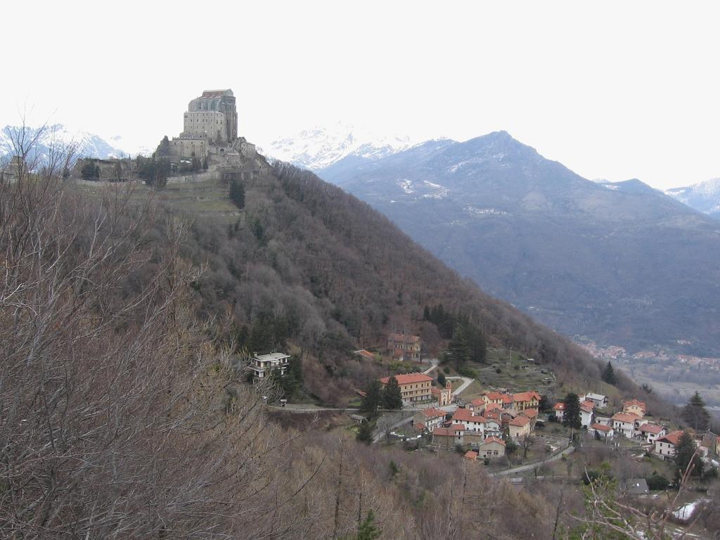 Ciabergia (Monte) e la Sacra di San Michele da S.Ambrogio, anello per Punta dell'Ancoccia e Colle Braida 2010-03-03