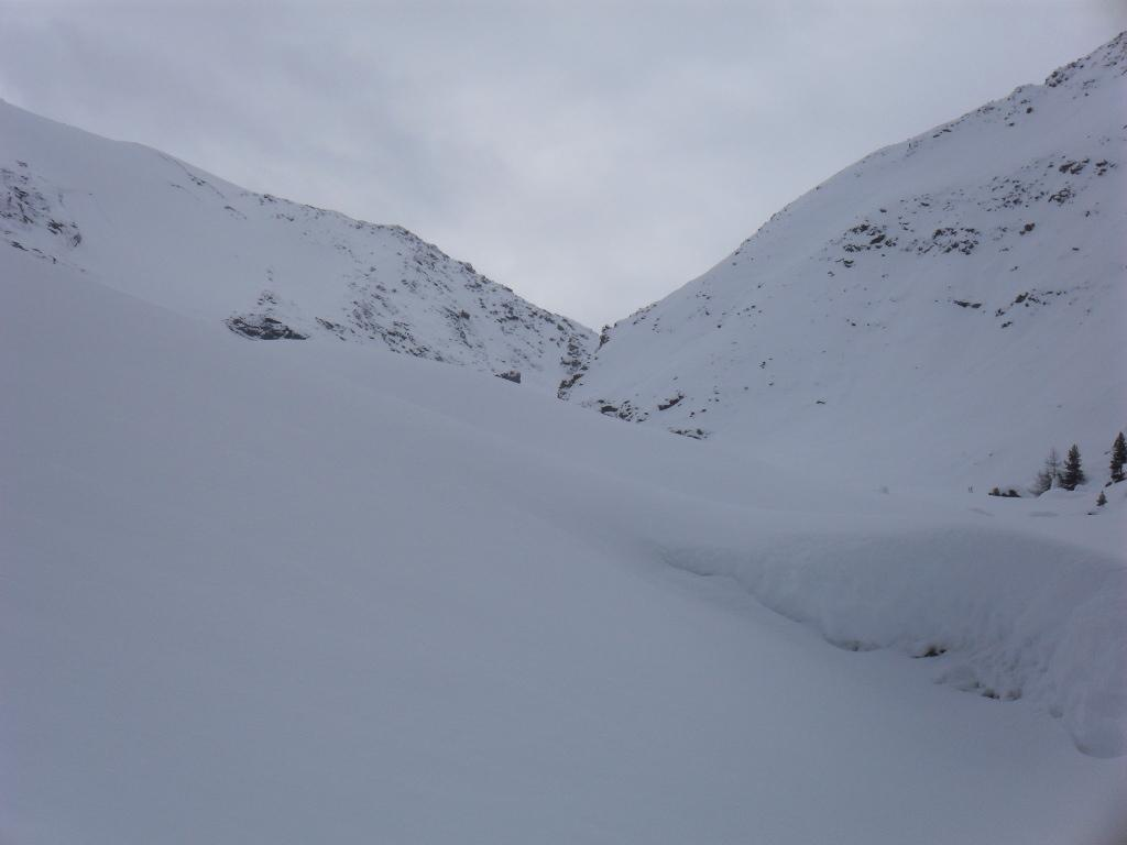 il colle di Belleface dal colletto,a destra l'Alpe