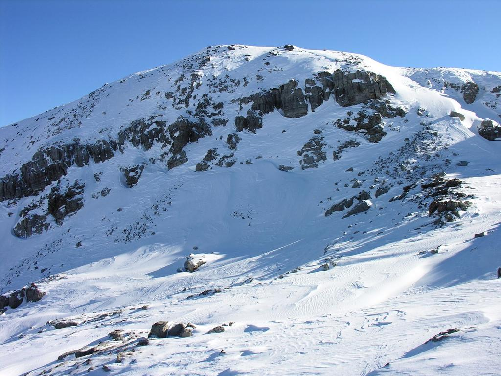 la Cima Fauniera, vista dal pendio sottostante il Colle Fauniera (24-12-2006)