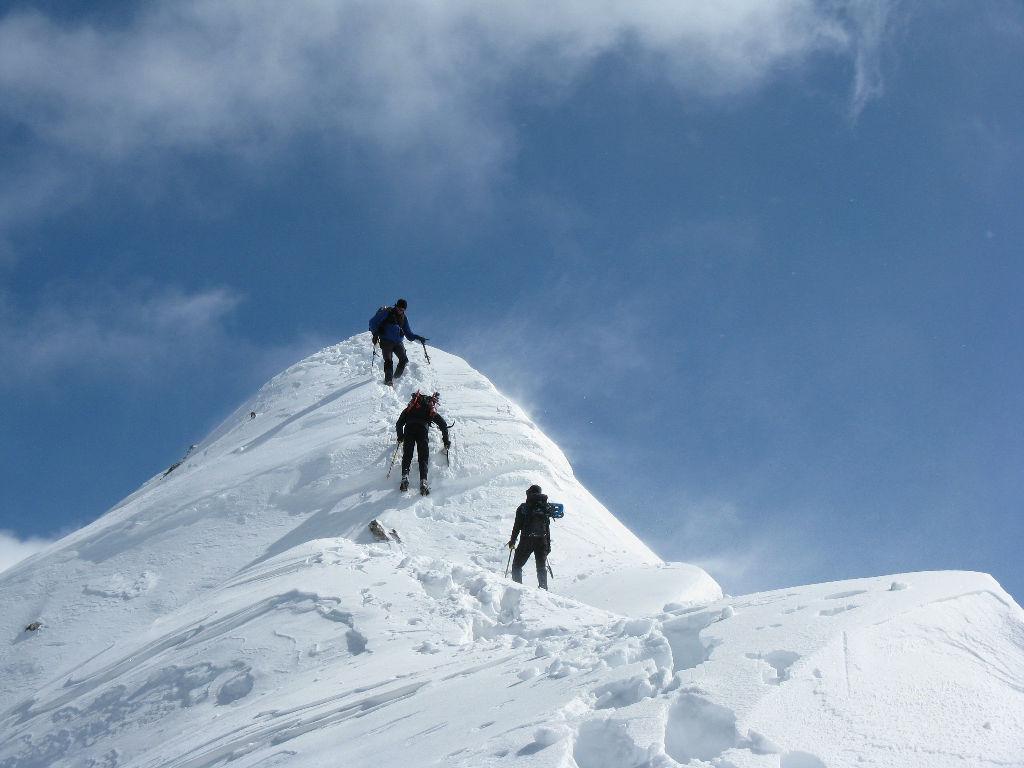 sulla cresta scendendo dalla cima