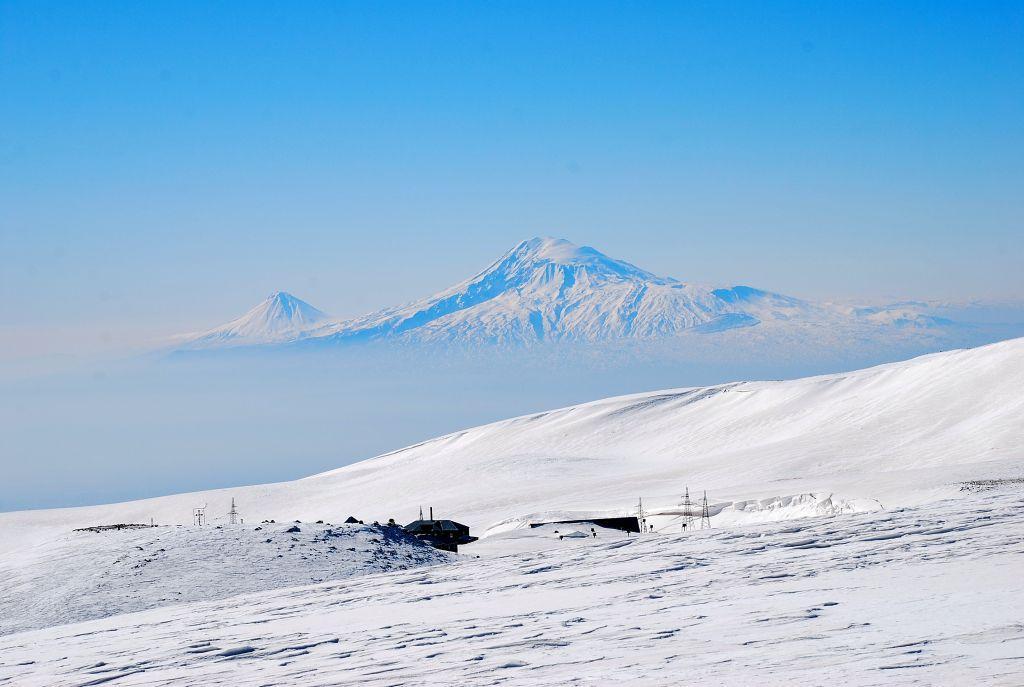 Aragats, Cima Sud giro a ferro di cavallo (Armenia) 2010-03-29