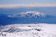 a sud il Monte Ara in primo piano e le montagne verso l'Azerbajian