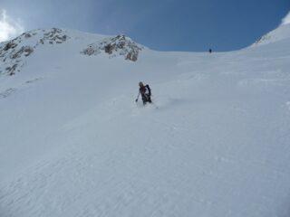 Discesa nella polverosa   I   La descente dans la poudreuse   I   Super powder descent   I   Abfahrt im Pulverschnee   I   Descendiendo en la nieve polvo