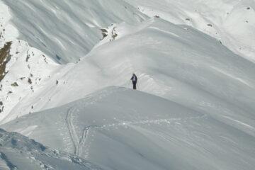 Il largo crestone finale   I   La large arête sommitale   I   The wide final ridge   I   Der breite Abschlusskamm   I   La larga cresta final