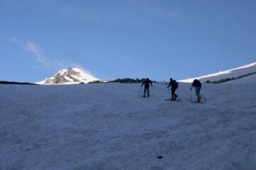Spunta la vetta   I   Le sommet apparaît   I   The summit crops up   I   Der Gipfel erscheint   I   Descuella la cumbre