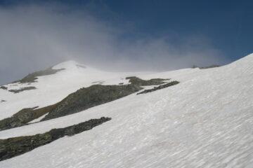 Un po' di nuvole in vetta   I   Quelques nuages au sommet   I   Some clouds on top   I   Ein paar Wolken am Gipfel   I   Unas cuantas nubes sobre la cumbre