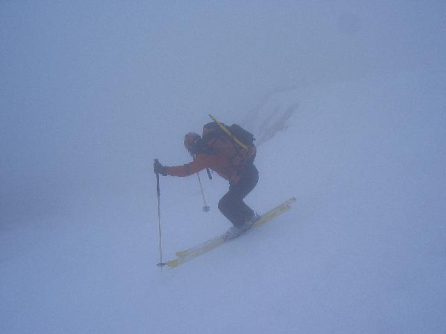 discesa verso la nebbia