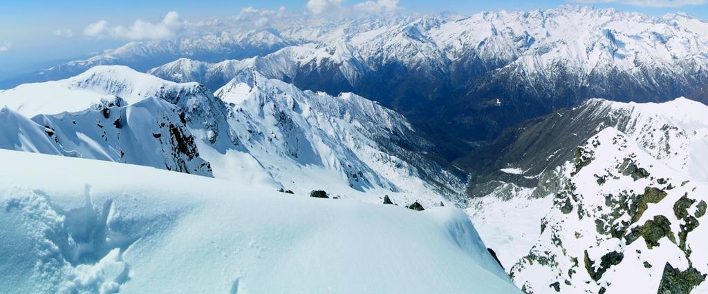 panoramica sulla valle Soana dalla vetta