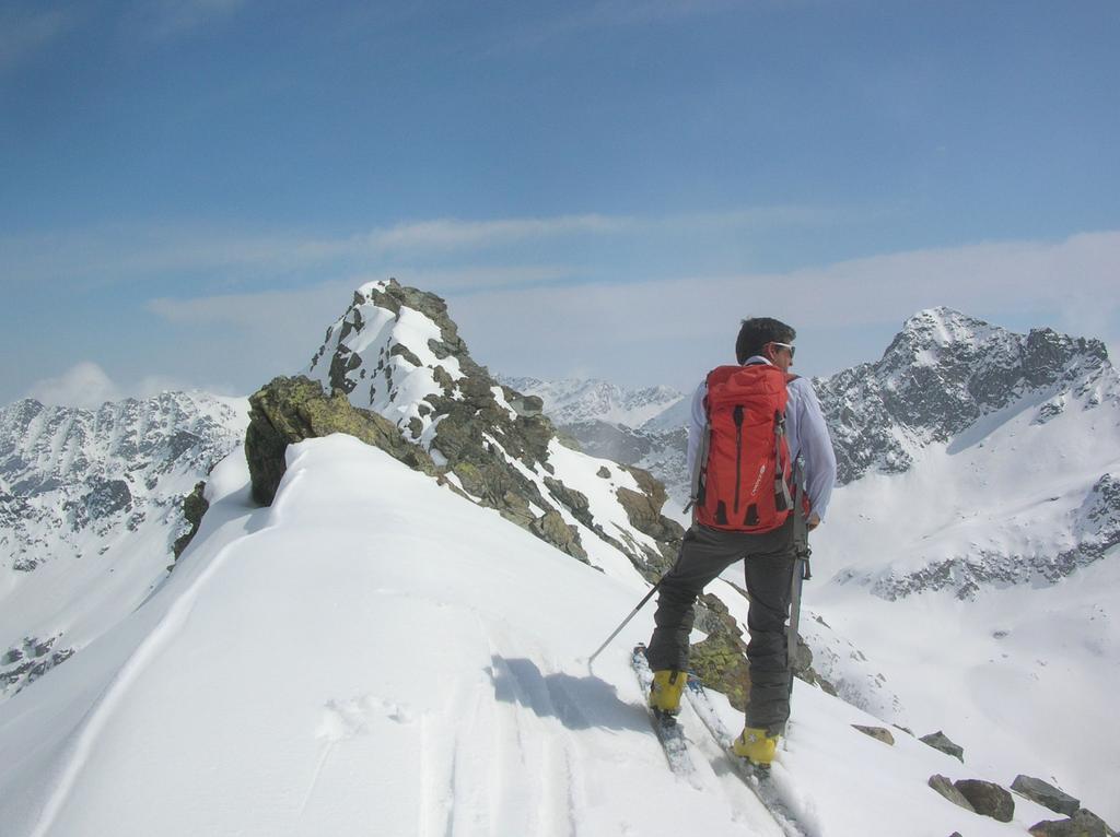 Sulla cresta NNE del Bec Molère.
