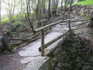 Ponte in pietra in unica lastra