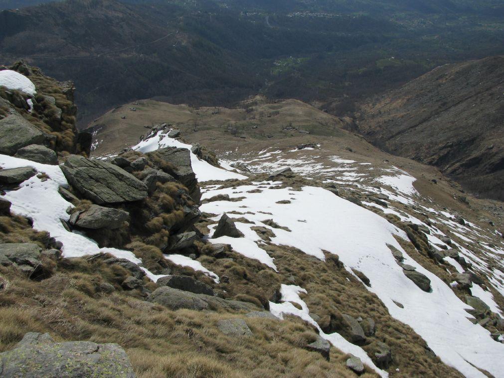 Dall'antecima, vista della cresta sud con pianoro di Vasivressa