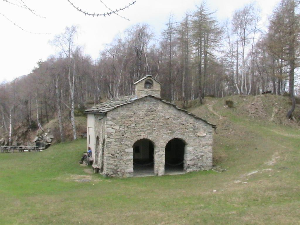 La chiesetta del Colle Bione