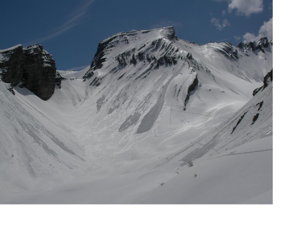 Corrugamenti rocciosi di questa bizzarra montagna.