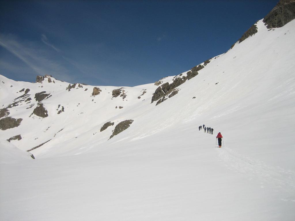 Si sale verso il collet de Tortisse 2591 m.
