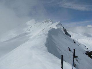 La cima e la cresta verso la Punta delle Fontane