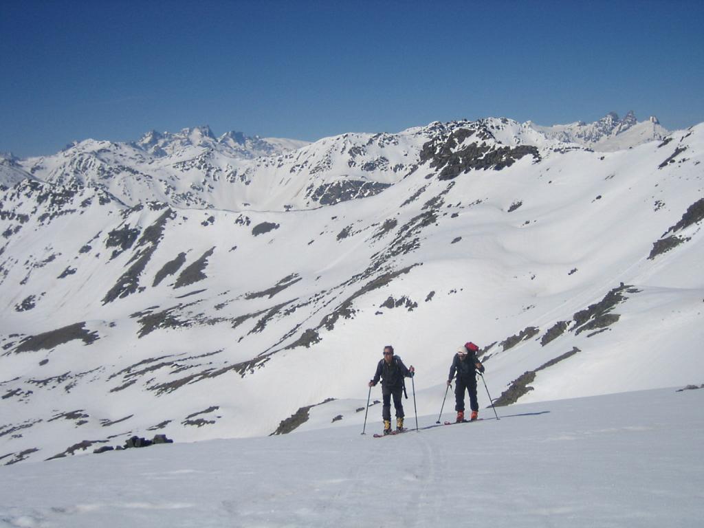 sullo sfondo a destra: les Aiguilles d'Arves