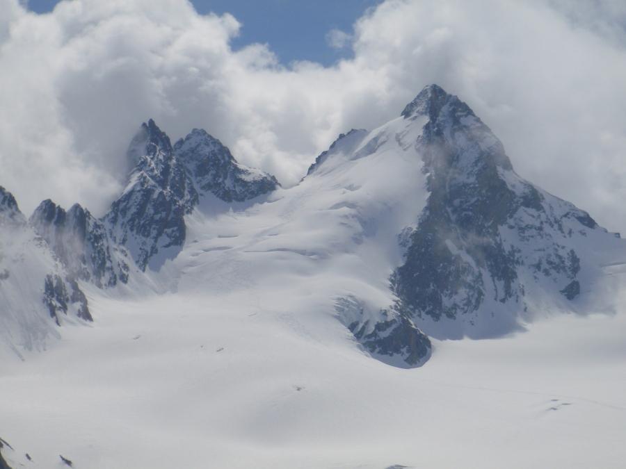 Cheilon (Mont Blanc de ), la Luette, Pigne d'Arolla, L'Evequ Tour d'Arolla occidentale (4 gg) 2010-05-02