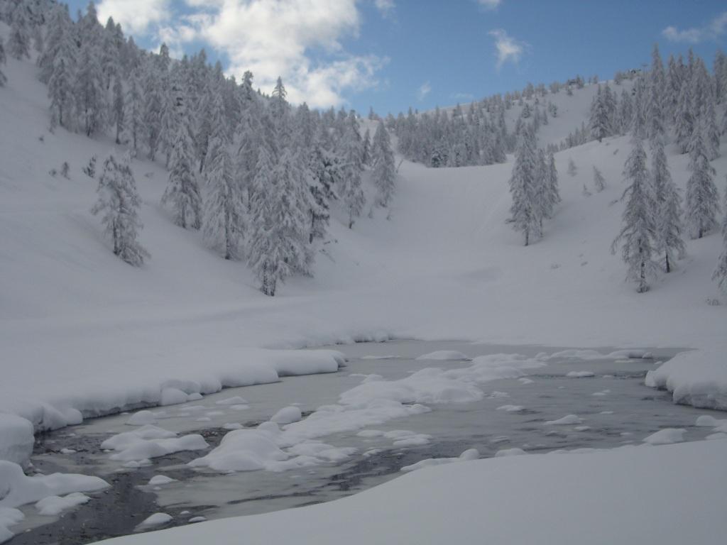05 - Lago Rascia e Colle Bercia sullo sfondo