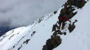 un traverso da superare con attenzione per raggiungere la cresta SO della Pointe des Avers (8-5-2010)