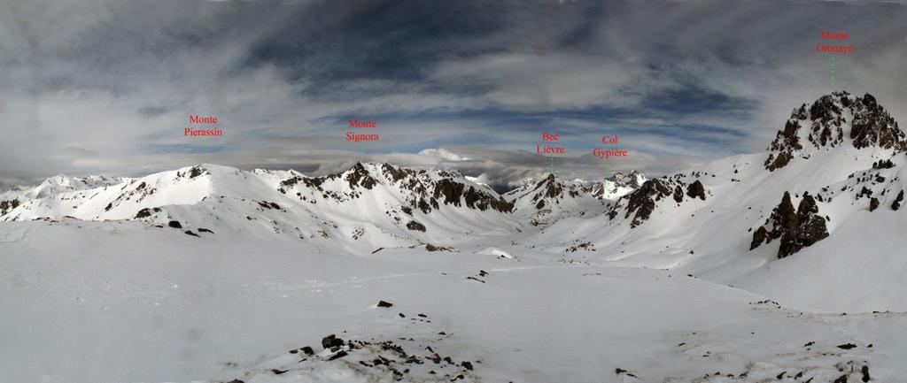 Panorama sul Pierassine e sul pendio di discesa