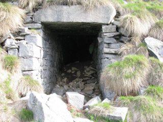 Ingresso miniera nei pressi dell'Alpe Pian del Gallo Inf.