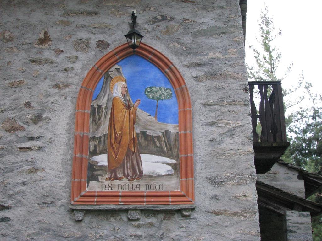 Immagine sacra su una casa di Paracosta