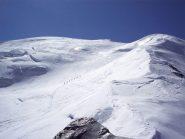 Il passaggio sulla cresta facile per la tanta neve