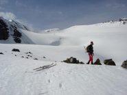 Sul ghiacciaio des Sources de l'Isère con la cima sullo sfondo
