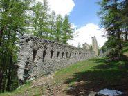 qualche tratto di vecchie mura
