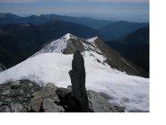 La facile cresta a ritornare...vista dalla cima del M.Peolioso