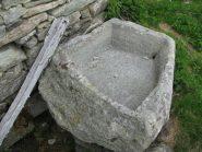 Una delle due vasche in pietra dell'Alpe Munt dla Val