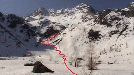 Pizzo Rodes - Manto nevoso continuo a partire da 1800m ca.