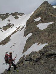 Il passo d'Ischiator e la cima visti dalla conca del lago superiore