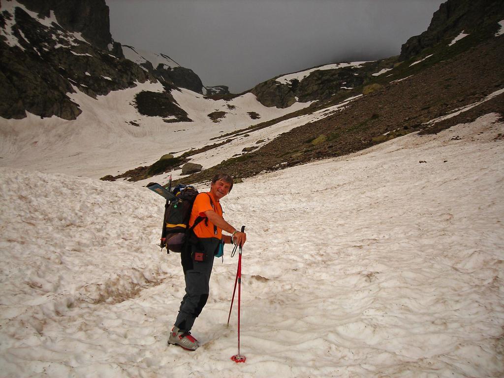 Si calzano gli sci a 2100m