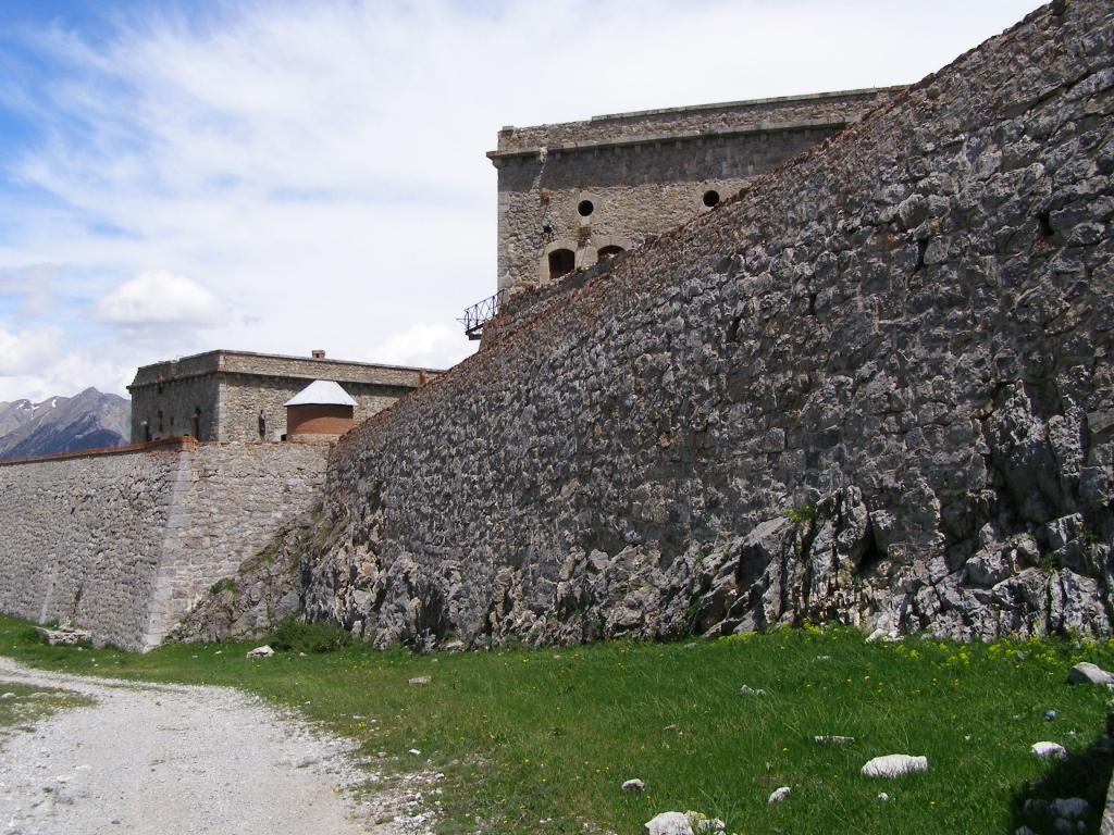 Mura esterne del forte