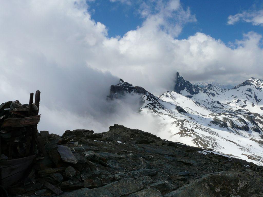 rocca bianca e la niera dalla cima