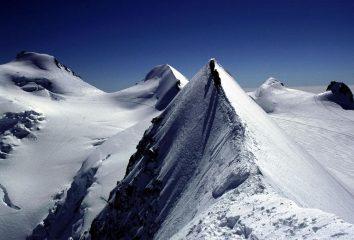 un bel dettaglio della cresta Est del Lyskamm Orientale (8-8-2002)